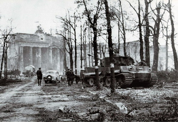 The Tiger as it was photographed after the battle